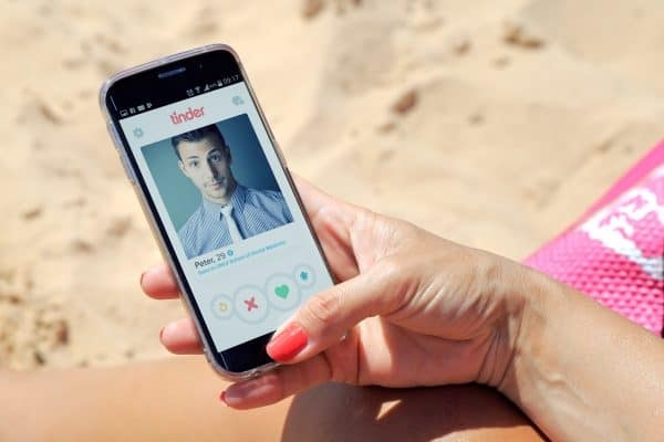 9 Weird Tinder Tips For Guys 2019 | Appamatix